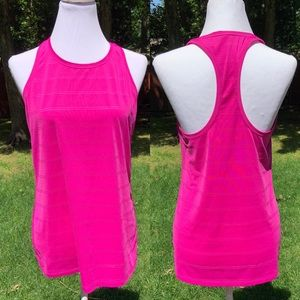 🎈NEW LISTING! Athleta Semi-Fitted Racerback Top